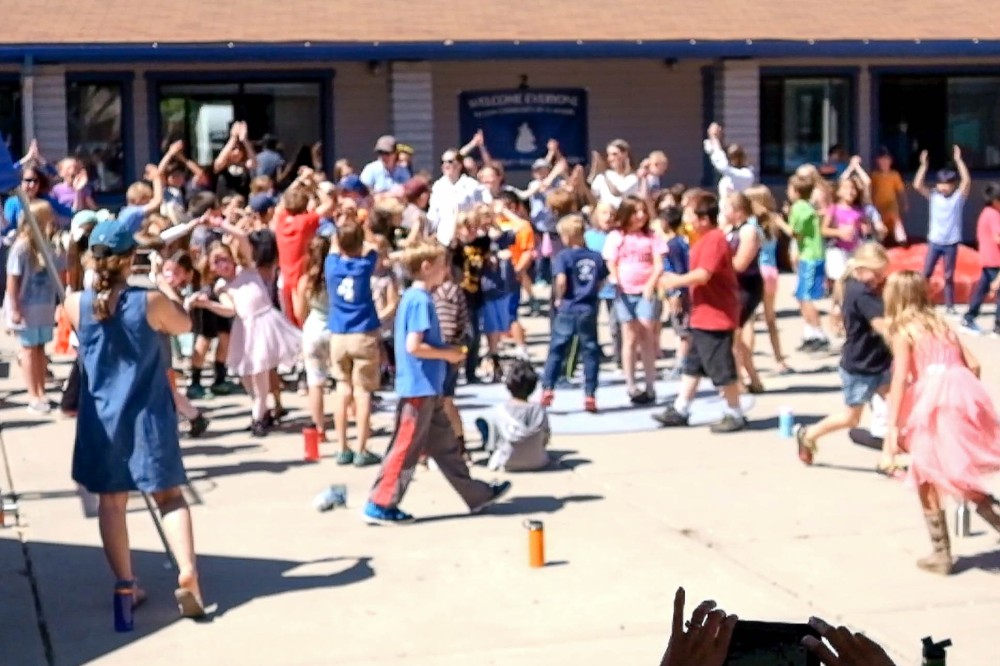 215 Adam 4th grade flash mob web-1